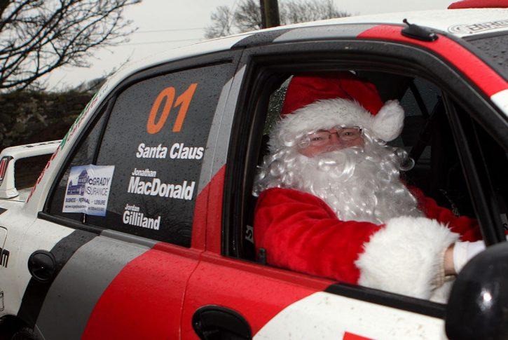 Santa visits Ballyvester Primary School in a rally car. Image:Jonathan MacDonald/MEDIAJAM COMMUNICATIONS